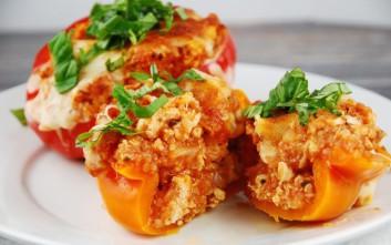 Πιπεριές γεμιστές με κοτόπουλο