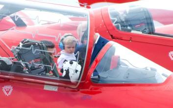 Ο γιος του Ουίλιαμ και της Κέιτ βρέθηκε στο πιλοτήριο ενός μαχητικού