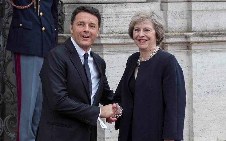 Ρέντσι: Σεβόμαστε την απόφαση των Βρετανών για Brexit