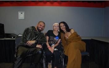 Ριάνα και Ντρέικ τιμούν θαυμάστριά τους που νικήθηκε από καρκίνο