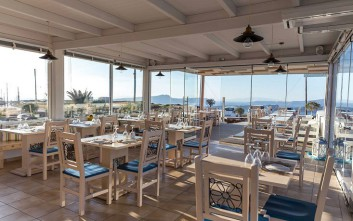 Caldera Romantica, γεύματα με θέα στο Ακρωτήρι