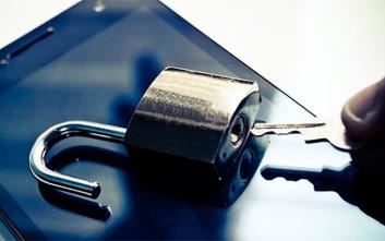 Πώς να διατηρήσετε τα ψηφιακά δεδομένα σας ασφαλή κατά τη διάρκεια του καλοκαιριού