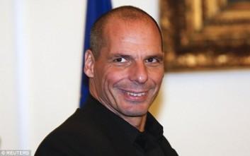 Βαρουφάκης: Ο Μακρόν ήθελε να σώσει την Ελλάδα