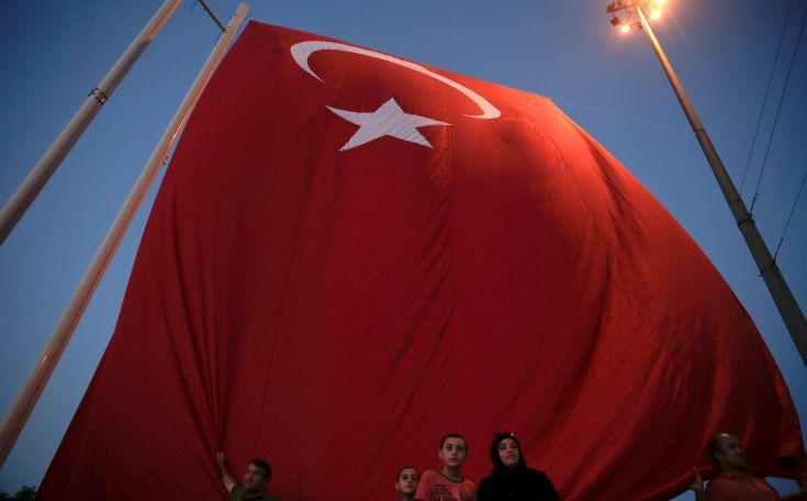Τουρκικό δικαστήριο απελευθέρωσε δημοσιογράφο κατηγορούμενο για το πραξικόπημα