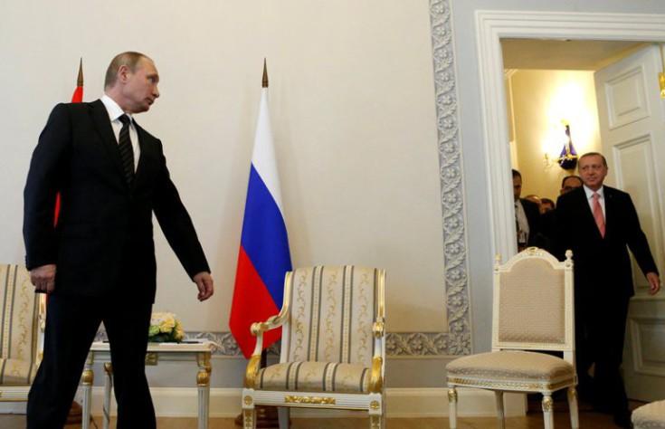 «Αν ο Σουλτάνος σκέφτεται τη Ρωσία, ο δρόμος του δεν θα είναι στρωμένος με ροδοπέταλα»