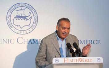 Ο υπεύθυνος του προγράμματος εμβολιασμών του Π.Ο.Υ «προσκύνησε» τον Μπασκόζο