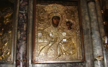 Σε κλίμα κατάνυξης ο εορτασμός της Κοιμήσεως της Θεοτόκου στη Μυτιλήνη