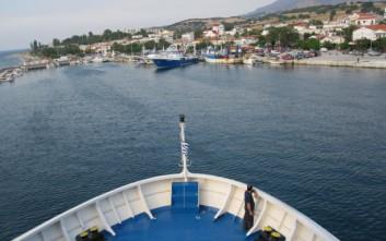 Οι άνεμοι δεν επέτρεψαν σε πλοίο να δέσει στη Σαμοθράκη