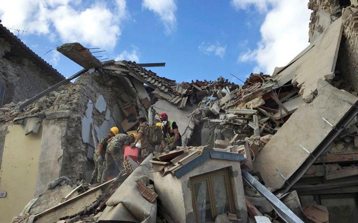 Τουλάχιστον 18 οι νεκροί στην Ιταλία μετά το σεισμό