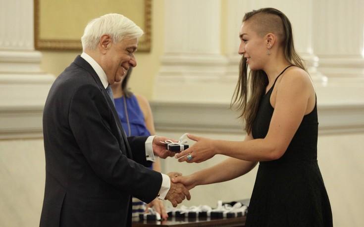 Η συνάντηση του Παυλόπουλου με Αμερικανίδα φοιτήτρια στο Προεδρικό