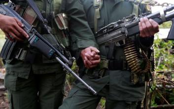 Πολιτική κρίση στην Κολομβία από την απόπειρα συγκάλυψης του θανάτου 8 παιδιών σε βομβαρδισμό