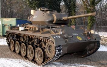 Στο… σφυρί ιστορικά άρματα μάχης στη Γαλλία