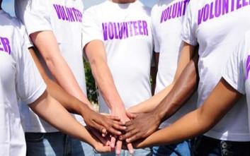 Ο εθελοντισμός κάνει καλό στην ψυχική υγεία