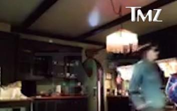 Έξαλλος ο Τζόνι Ντεπ πίνει και επιτίθεται στην Άμπερ Χερντ