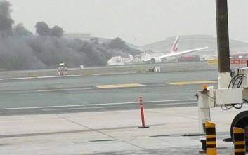 Νεκρός ένας πυροσβέστης από τη φωτιά στo αεροσκάφος της Emirates