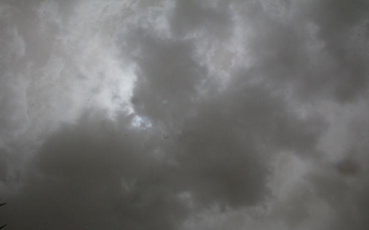 Καιρός Σήμερα: Με καταιγίδες και χιόνια αρχίζει η εβδομάδα (pics)