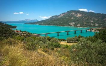 Εικόνες από την εντυπωσιακή λίμνη Κρεμαστών
