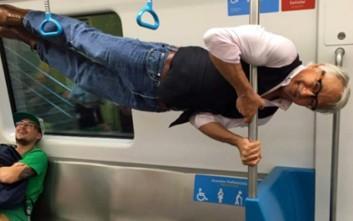 Έδωσαν σε έναν ηλικιωμένο μια θέση στο μετρό και αυτή ήταν η αντίδρασή του!