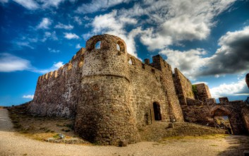 Το επιβλητικό Κάστρο Μολύβου