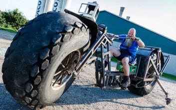 Γερμανός κατασκεύασε ποδήλατο που ζυγίζει σχεδόν ένα τόνο