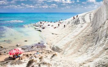Ελληνική παραλία ανάμεσα στις top που πρέπει να επισκεφτείτε έστω και μία φορά