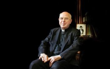 Πέθανε ο ιερέας που ύψωσε το λευκό μαντήλι τη «Ματωμένη Κυριακή» του 1972