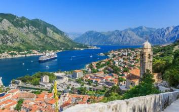 Δύο ελληνικοί προορισμοί στους τοπ παγκοσμίως για κολύμπι