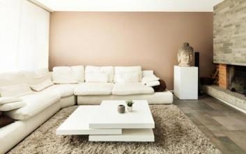 Πώς να κάνετε το σαλόνι σας να φαίνεται μεγαλύτερο