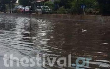 Μποτιλιάρισμα στην Ε.Ο. Θεσσαλονίκης - Μουδανίων λόγω βροχής