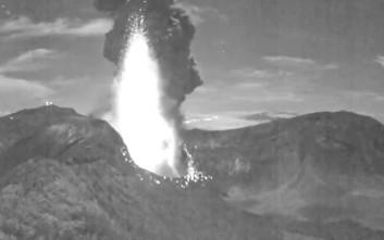 Η εντυπωσιακή έκρηξη ηφαιστείου στην Κόστα Ρίκα