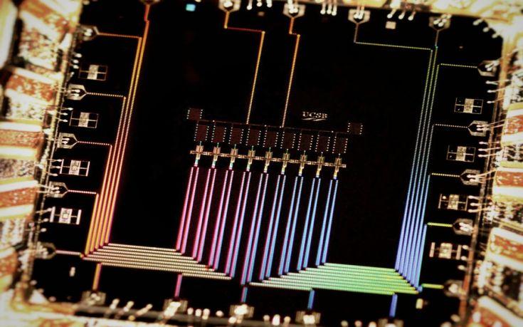 Η Google ετοιμάζει το μεγαλύτερο κβαντικό υπολογιστή