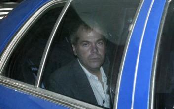 Ελεύθερος ο Τζον Χίνκλι, ο άνθρωπος που αποπειράθηκε να δολοφονήσει τον Ρίγκαν