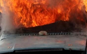 Στις φλόγες τυλίχθηκε αγροτικό όχημα στο Ηρακλείο