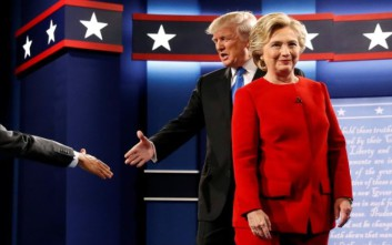 Μάχη χωρίς οίκτο μεταξύ Κλίντον και Τραμπ για τον Λευκό Οίκο