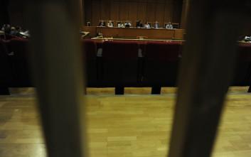 Ποινή φυλάκισης έξι μηνών στα 18 μέλη του Ρουβίκωνα