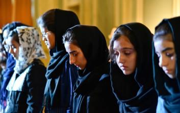 Μια θεατρική παράσταση που δημιούργησαν 15 γυναίκες πρόσφυγες
