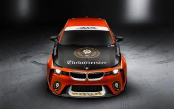 Η BMW αποτίει φόρο τιμής στους turbo κινητήρες με τη 2002 Hommage