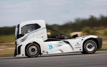 Ο «Iron Knight» έσπασε 2 ρεκόρ ταχύτητας με ελαστικά Goodyear
