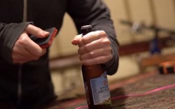 Οι πιο τρελοί τρόποι να ανοίξεις ένα μπουκάλι χωρίς ανοιχτήρι