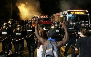 Βίαιες συγκρούσεις στη Β. Καρολίνα για τον φόνο Αφροαμερικανού