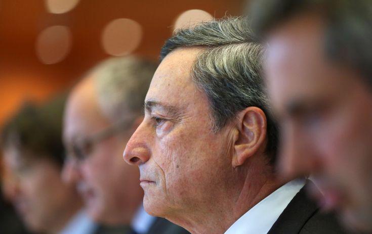 Πτώση του ευρώ και υποχώρηση των γερμανικών ομολόγων μετά τις δηλώσεις Ντράγκι