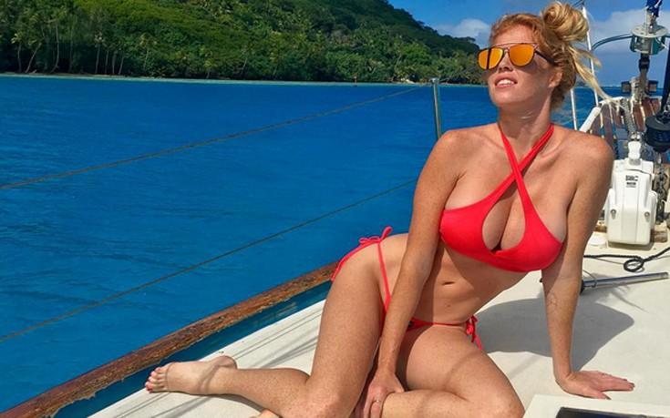 Η Elizabeth Ostrander λατρεύει τη θάλασσα