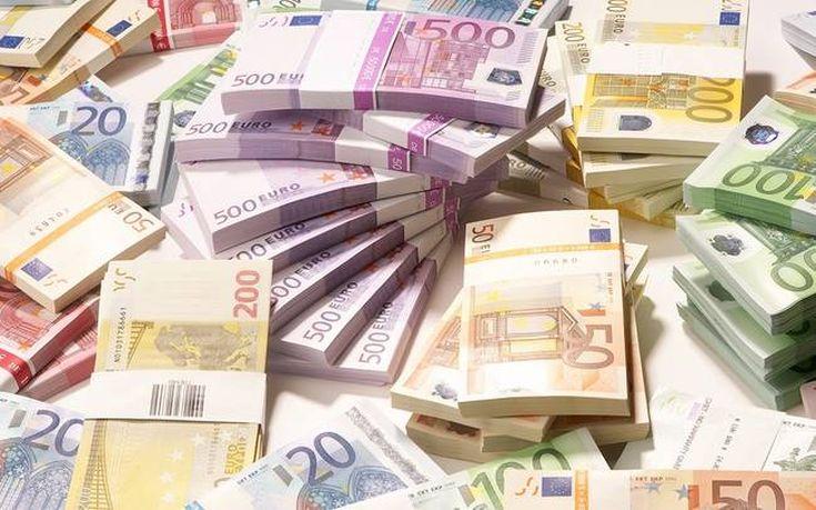 Αντλήθηκαν 831 εκατ. ευρώ από τη δημοπρασία εξάμηνων εντόκων