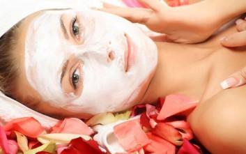 Μάσκα ομορφιάς με τριαντάφυλλο και νυχτολούλουδο
