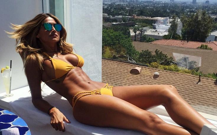 Η Juli Proven πιστεύει ότι είναι ακόμη καλοκαίρι