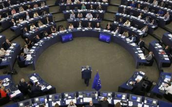 Γιούνκερ: 10.000 Ευρωπαίοι συνοριοφύλακες μέχρι το 2020