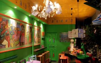 Φιλανθρωπικό bazaar στο Ababa cafe bar στο Παγκράτι