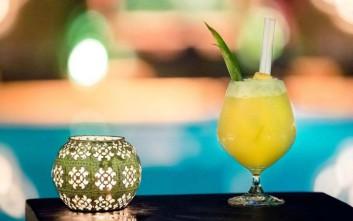 Διατηρούμε την καλοκαιρινή διάθεση σε αγαπημένα μπαρ ξενοδοχείων στην Αθήνα