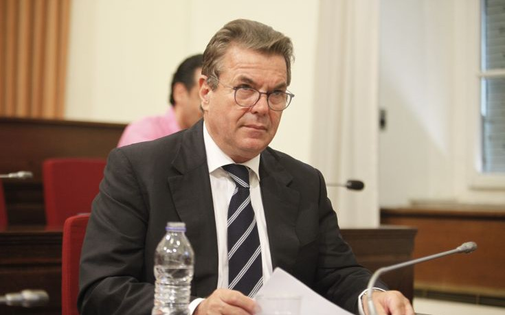 Πετρόπουλος: Καμία αλλαγή για τους ελεύθερους επαγγελματίες με εισόδημα έως 17.000 ευρώ