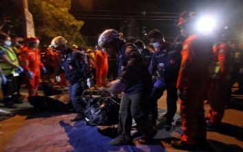 «Βλέπουν» τους ισλαμιστές της Αμπού Σαγιάφ πίσω από την επίθεση στις Φιλιππίνες